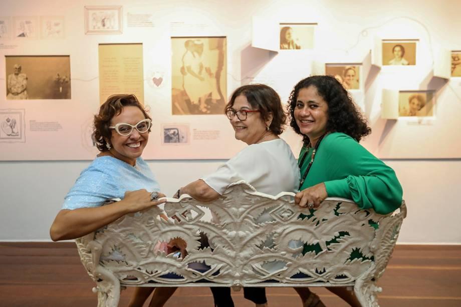 Elaine Hazin, Tania Fraccaroli e Ju Velloso, curadoras da exposição