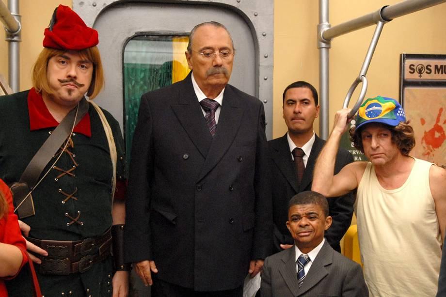 Ator e comediante Agildo Ribeiro como o personagem Sir Ney no Metrô Zorra Brasil