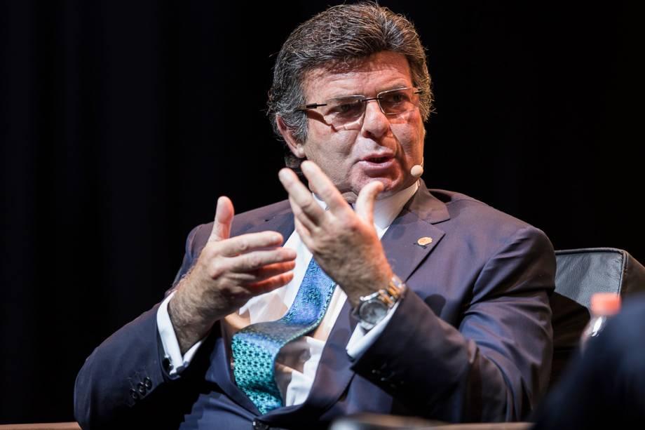 """<a href=""""https://veja.abril.com.br/brasil/luiz-fux-eleicoes-podem-ser-anuladas-por-causa-de-fake-news/"""">O ministro Luiz Fux falou sobre o combate às mentiras na eleição</a> - 24/04/2018"""