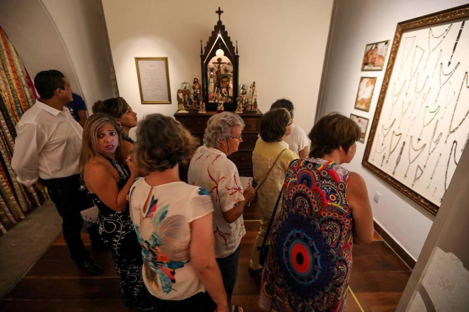 Convidados visitam a exposição 'Ser Feliz É para Quem Tem Coragem', que homenageia Dona Canô