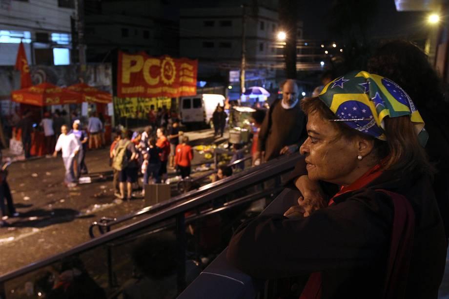 Apoiadores do ex-presidente Lula passam a noite em Sindicato dos Metalúrgicos do ABC