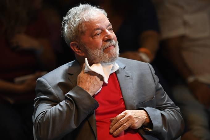 O ex-presidente Lula durante ato no Circo Voador, no Rio