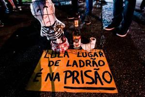 Pixuleco do ex-presidente Lula trazido por manifestantes em Curitiba (PR) - 06/04/2018