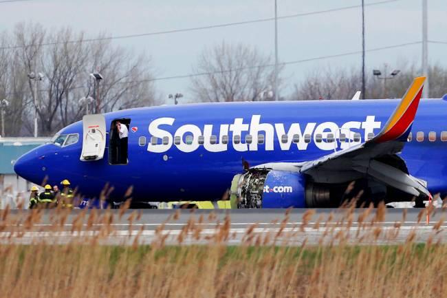 Avião da Southwest Airlines faz pouso forçado na Filadélfia