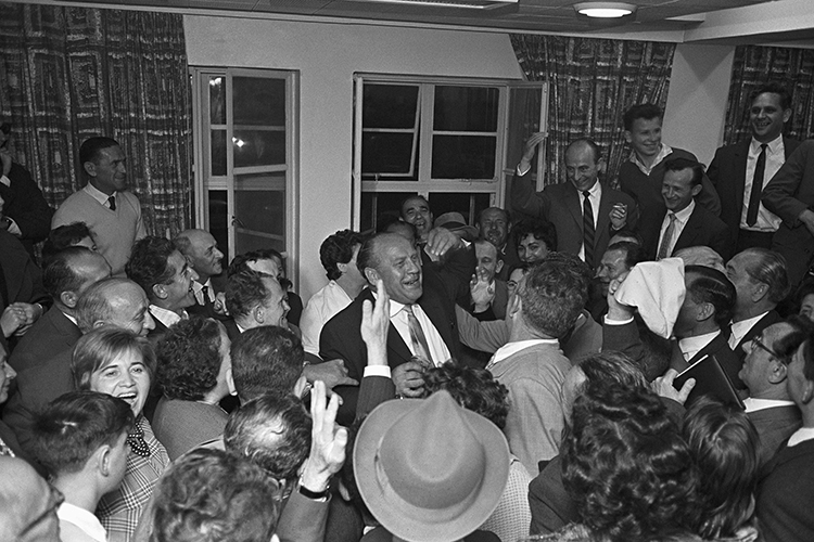 Oskar Schindler visita Israel