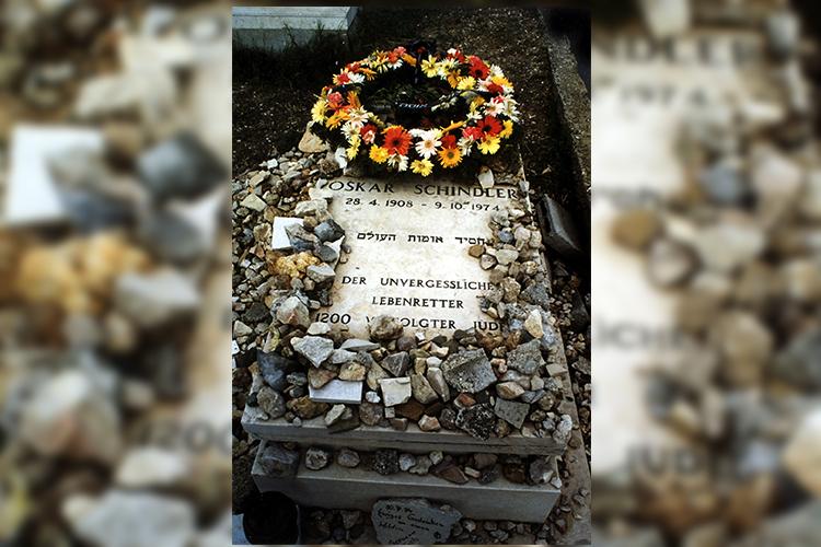 Túmulo de Oskar Schindler - (28/04/1908 - 09/10/1974)