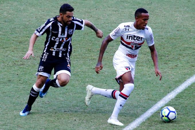 Lance na partida entre Ceará e São Paulo, pelo Campeonato Brasileiro, em Fortaleza
