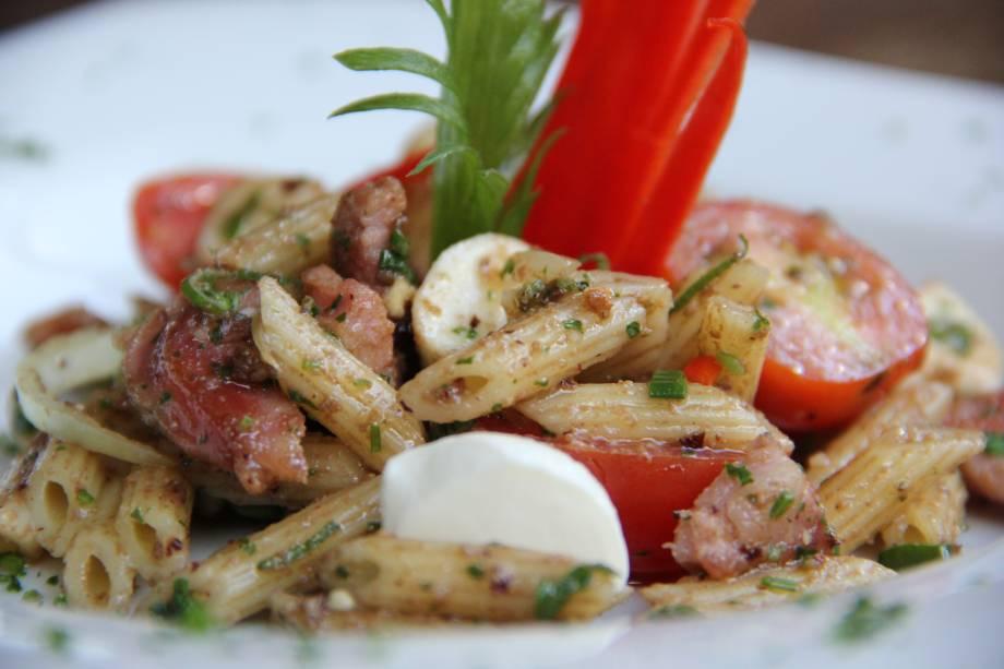 Entrada: Salada de minipenne no almoço