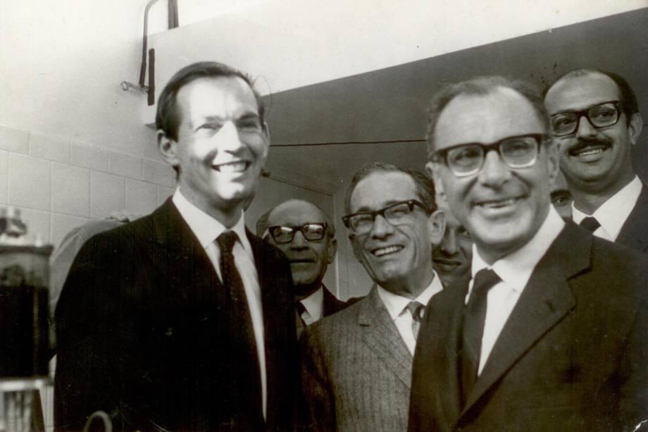 Prof. Zerbini, Prof. Adib jatene e Cristiaan Bernard no InCor- outubro de 1968