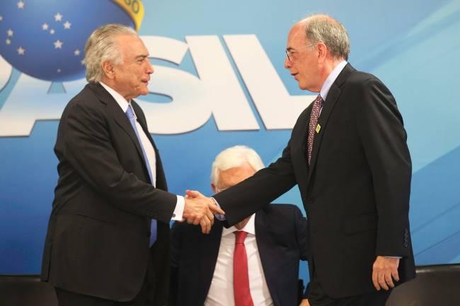 O presidente Michel Temer e o presidente da Petrobras, Pedro Parente, participam da divulgação do Plano de Negócios e Gestão 2018-2022 da Petrobras – 21/12/2017