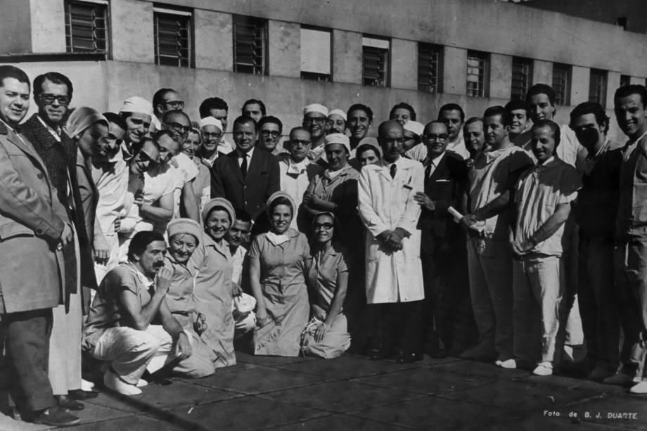 Equipe que atuou no primeiro transplante cardíaco - 1968