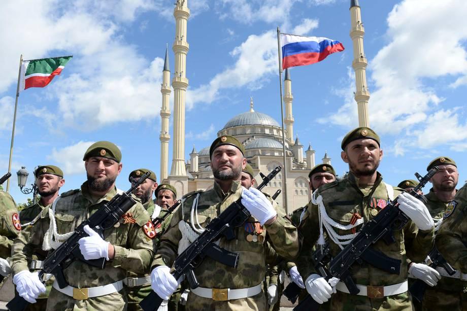 Militares russos participam de comemoração do 73º aniversário da vitória russa contra o Nazismo na Segunda Guerra em Rostov-on-Don - 09/05/2018