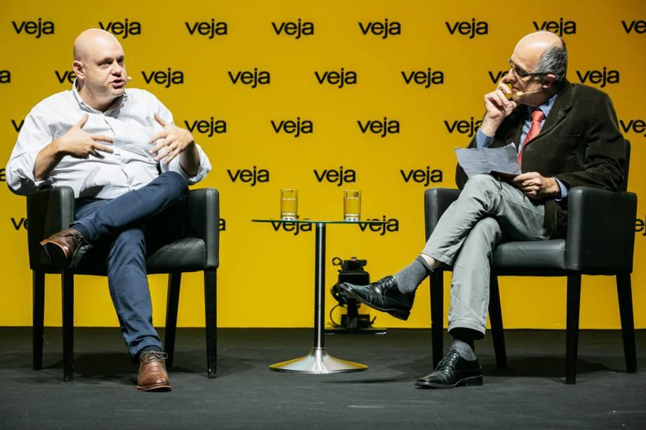 """Ao redator-chefe Fábio Altman, Mizne afirmou que<a href=""""https://veja.abril.com.br/educacao/denis-mizne-o-brasil-vai-mudar-dentro-da-sala-de-aula/""""> investimentos em infraestrutura não são suficientes se professor não souber ensinar</a> - 29/05/2018"""