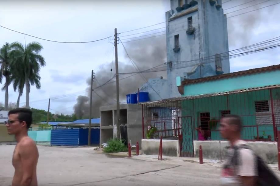 Avião com 104 passageiros e nove tripulantes da empresa Cubana de Aviacion cai após decolagem do Aeroporto Internacional Jose Marti, em Havana - 18/05/2018
