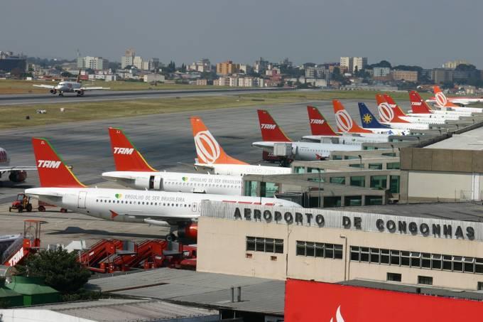 Piér de embarque e desembarque do aeroporto de Congonhas