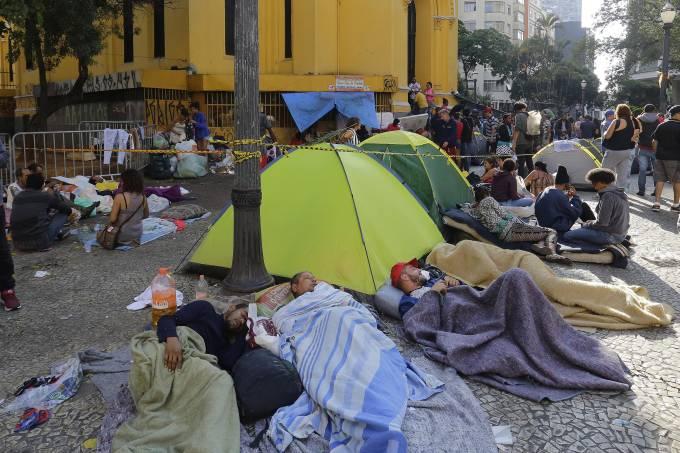 Volta para 44 nº de possíveis vítimas após desabamento de prédio em SP
