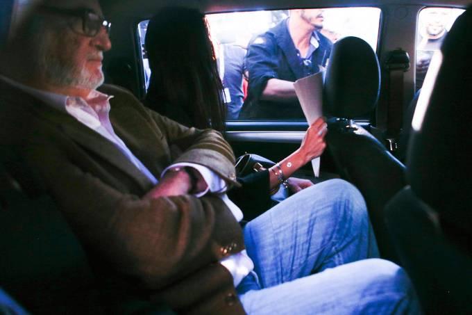 Eduardo Azeredo se entrega à Polícia Civil e é levado à delegacia