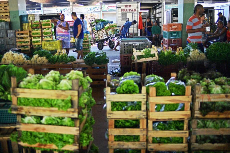 CEASA do Rio de Janeiro recebe verduras e legumes, durante o nono dia da greve dos caminhoneiros - 29/05/2018