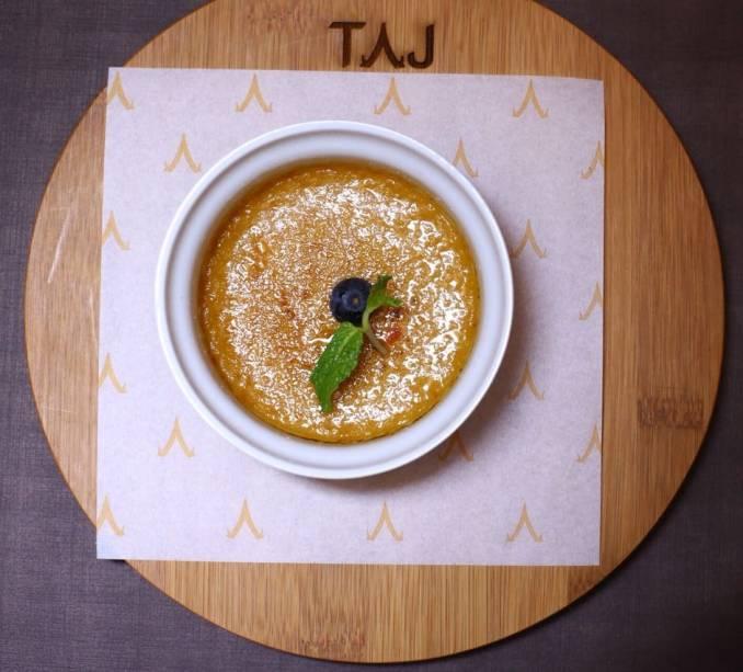Taj Bar:Crème brûlée na sobremesa