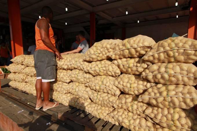 Greve dos caminhoneiros afeta o abastecimento do Ceasa RJ