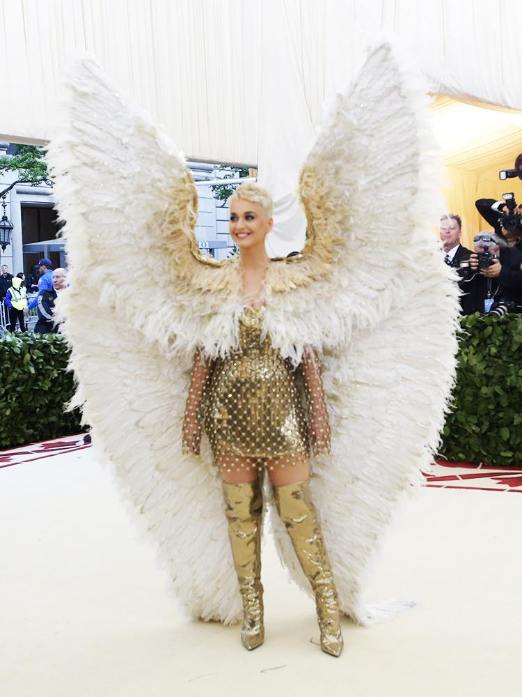 A cantora Katy Perry posa para foto no Museu Metropolitano de Nova York, durante o MET Gala - 07/05/2018