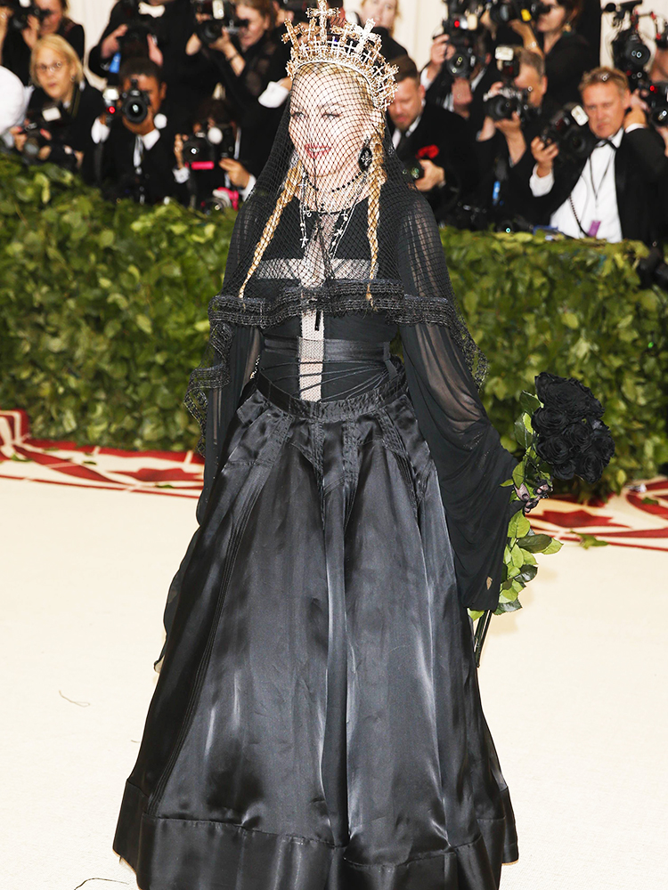 A cantora Madonna posa para foto no Museu Metropolitano de Nova York, durante o MET Gala - 07/05/2018