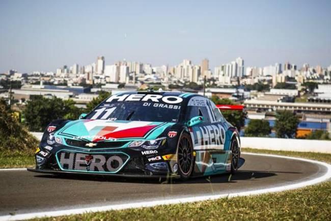 O piloto brasileiro Lucas Di Grassi, durante etapa da Stock Car em Londrina (PR)