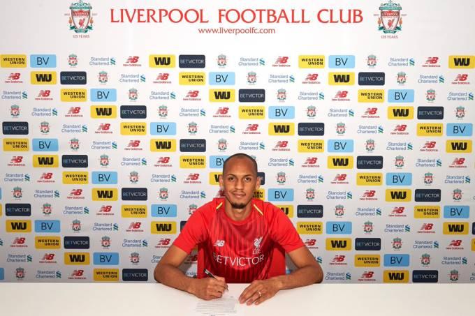 Fabinho assina contrato com o Liverpool