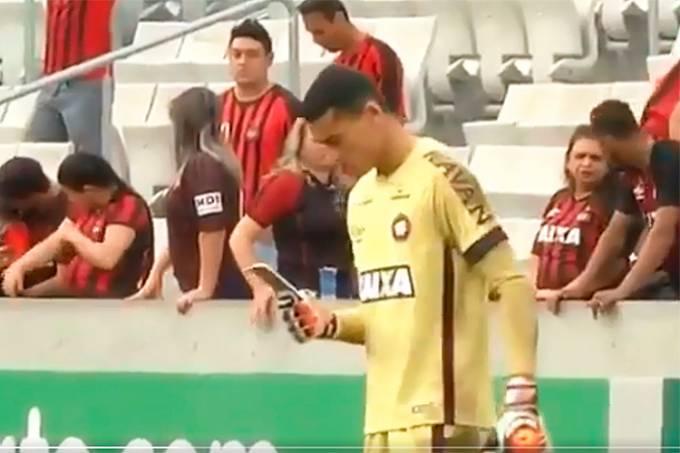 O goleiro Santos, do Atlético-PR