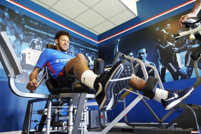 Neymar se recupera de cirurgia
