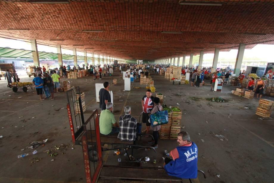 Movimentação no Ceasa-RJ de Irajá, Zona Norte do Rio de Janeiro, onde a greve dos caminhoneiros começa a afetar a distribuição de alimentos - 24/05/2018