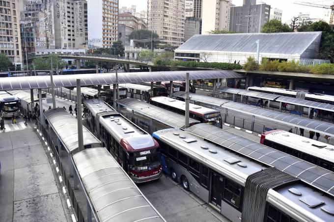 Vista do Terminal de ônibus Bandeira, em São Paulo, durante a greve dos caminhoneiros