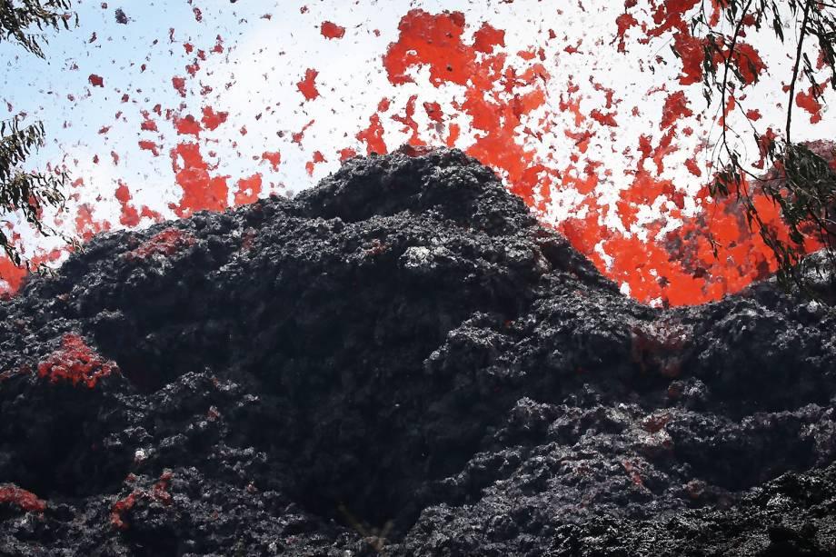 Lava expelida durante a erupção do vulcão Kilauea, no Havaí - 12/05/2018
