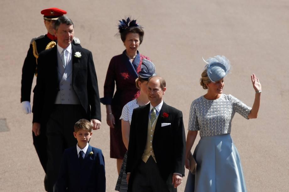 Príncipe Edward e princesa Anne chegam com as famílias ao Castelo de Windsor para participar de cerimônia de casamento entre Harry e Meghan Markle - 19/05/2018