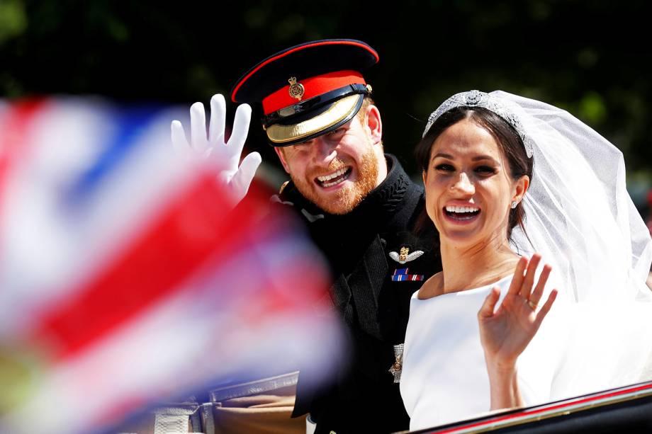 Príncipe Harry e Meghan Markle andam de carruagem após cerimônia de casamento - 19/05/2018