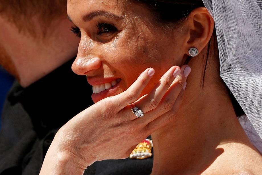 Meghan Markle exibe sua aliança após sua cerimônia de casamento com o príncipe Harry - 19/05/2018