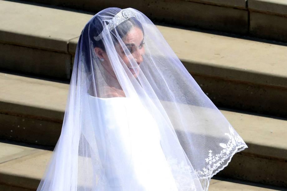 Detalhes de vestido de noiva de Meghan Markle, nas escadarias da Capela de São Jorge - 19/05/2018