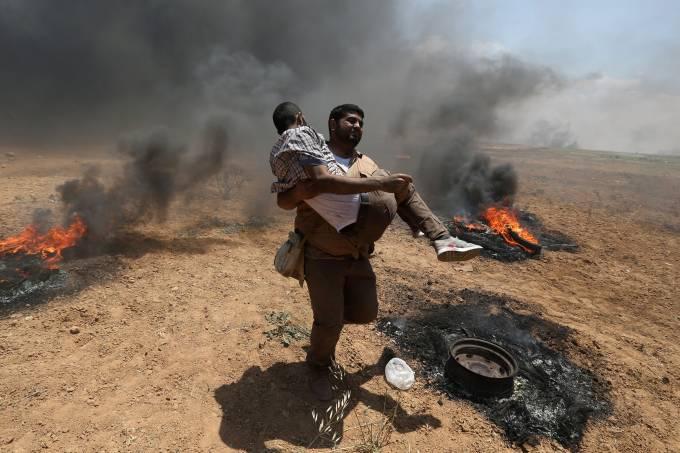 Palestinos protestam na Faixa de Gaza