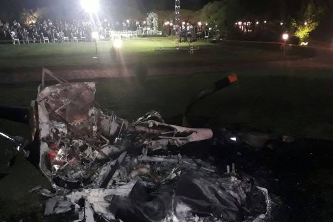 Corpo de Bombeiros divulgou foto dos destroços do helicóptero