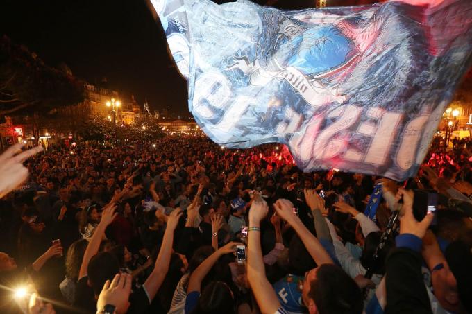 Torcida do Porto saiu às ruas para celebrar o título nacional