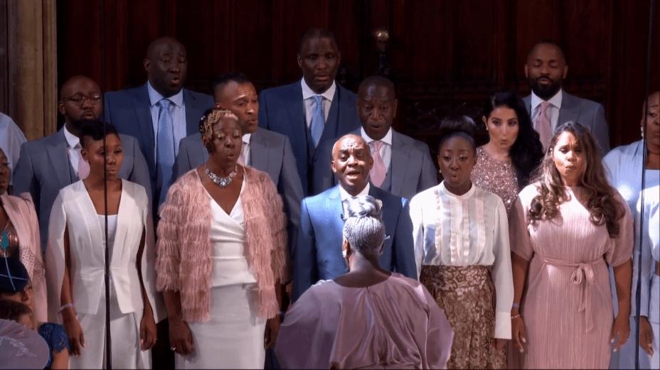 Maestrina Karen Gibson e The Kingdom Choir se apresentam durante o casamento real de príncipe Harry e Meghan Markle