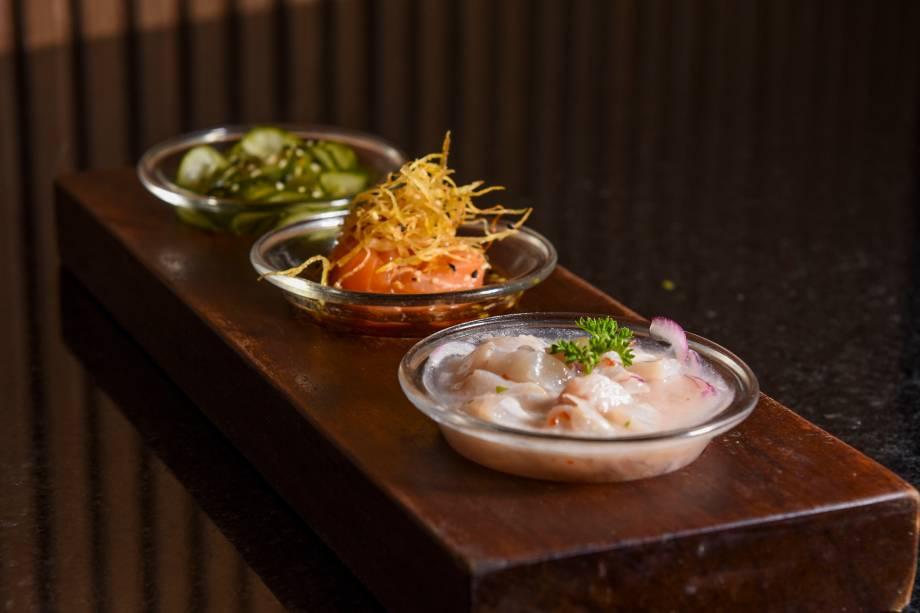 Entrada:Trio Nikkei (ceviche clássico peruano, ceviche de frutos do mar e sunomono) no jantar