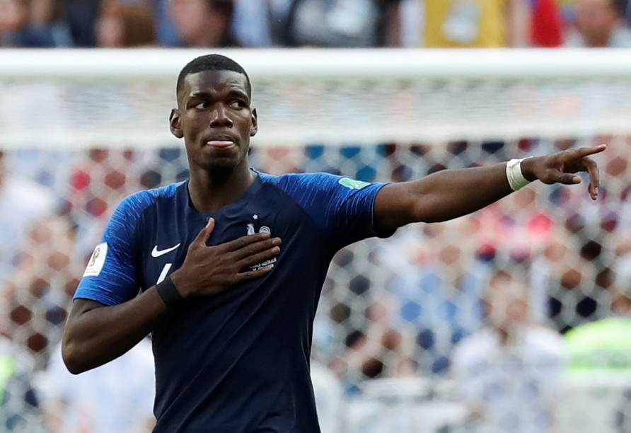 O meia francês Paul Pogba comemora o segundo gol da França na vitória sobre a Austrália
