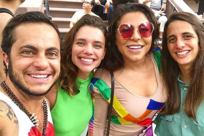 Thammy Miranda, Bruna Linzmeyer, Andressa Ferreira e Priscila Visman na Parada LGBT de Nova York
