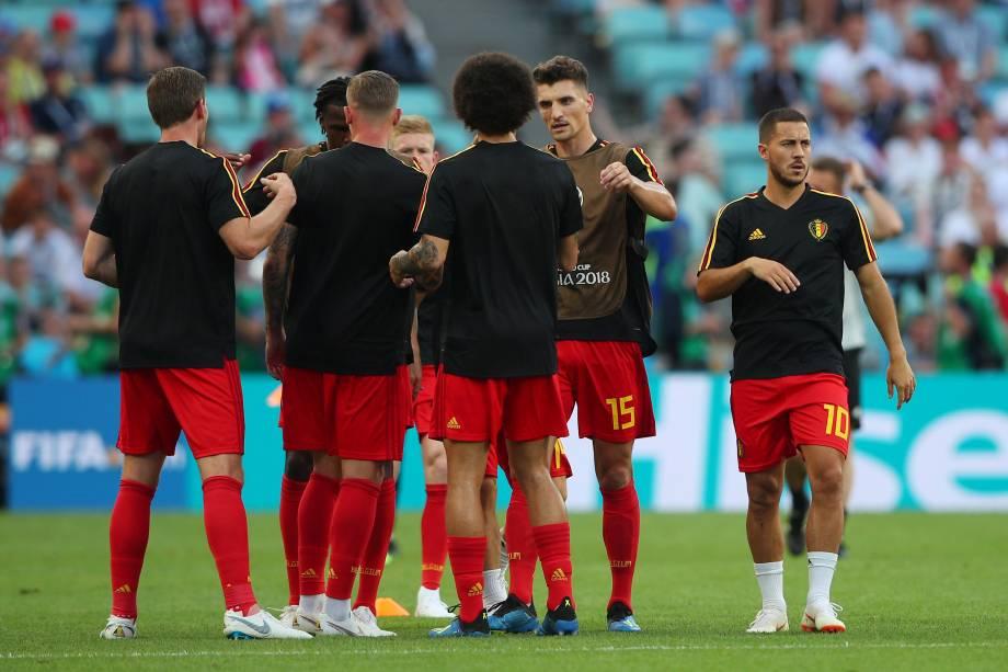 Jogadores da Bélgica fazem aquecimento antes da partida contra o Panamá no estádio Fisht em Sochi - 18/06/2018