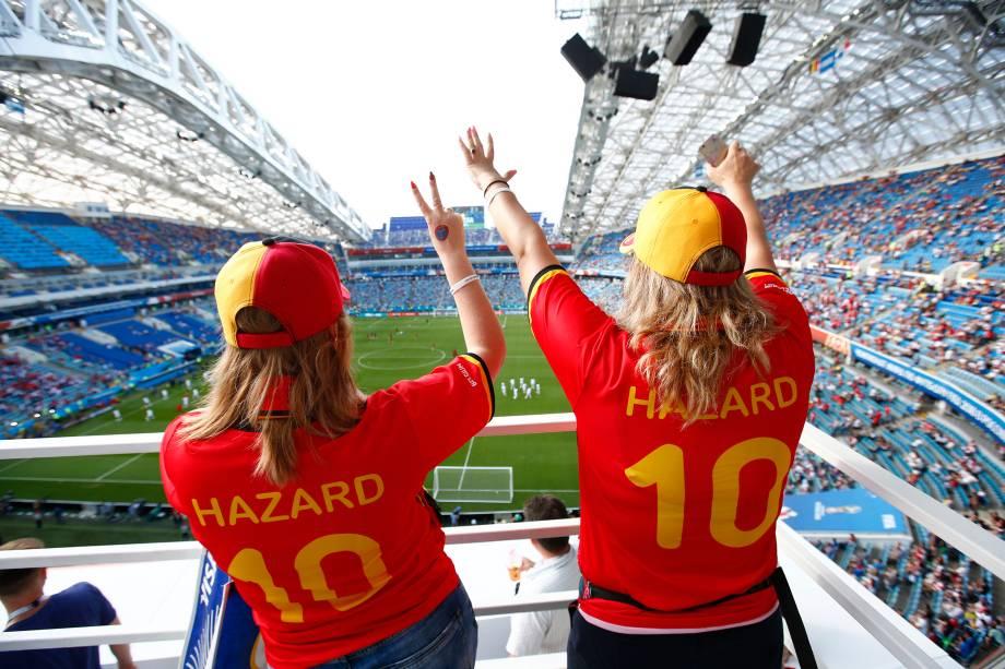 Torcedoras da Bélgica fazem a festa nas arquibancadas antes da partida contra o Panamá no estádio Fisht em Sochi - 18/06/2018
