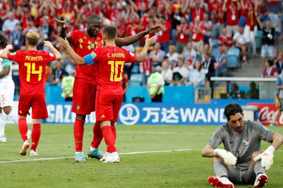 Jogadores da Bélgica comemoram o gol Romelu Lukaku na vitória sobre o Panamá em Sochi - 18/06/2018