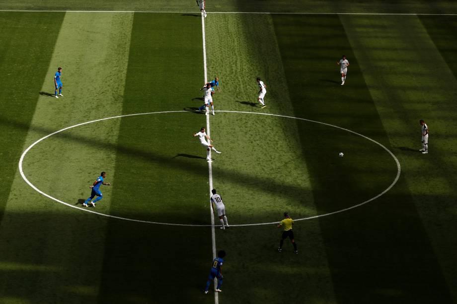 Brasil e Costa Rica se enfrentam pelo grupo E no estádio São Petesburgo