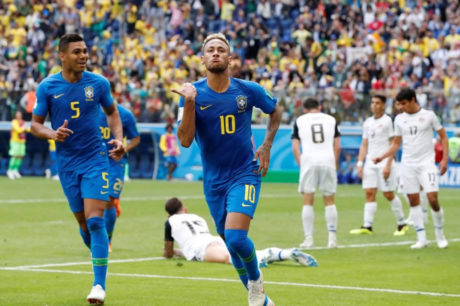 Neymar comemora o segundo gol da seleção brasileira na vitória sobre a Costa Rica no estádio São Petesburgo