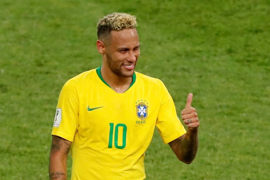 Neymar comemora após o Brasil vencer a Sérvia por 2 a 0 - 27/06/2018